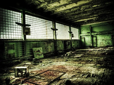cfb22_Chernobyl-Today-A-Creepy-Story-told-in-Pictures-school5.jpg