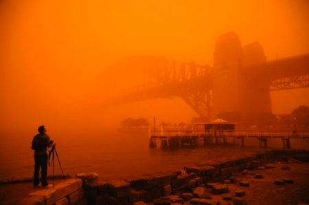 sydney-red-day.jpg