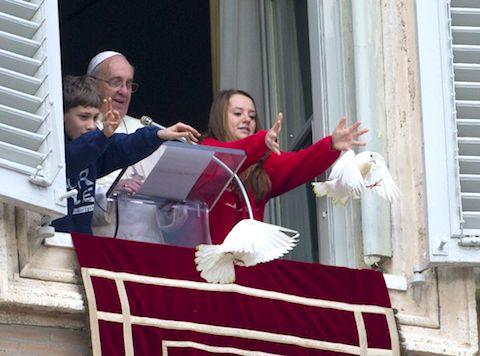 1-pope-dove.jpg