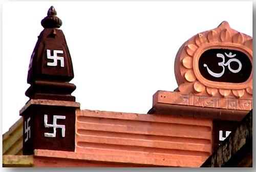 6-Hindu-Temple-in-India-with-Swastikas.jpg