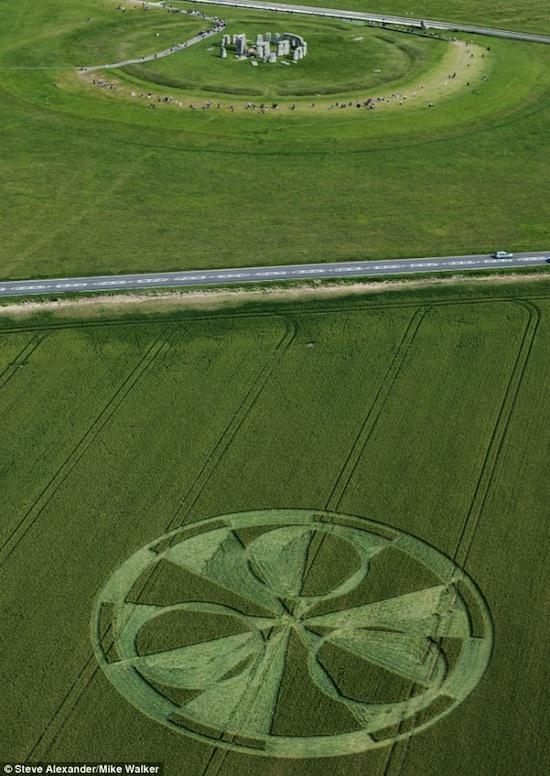 crop-circle-2011-07.jpg