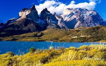 cuernos_del_paine_from_lake_pehoe.jpg