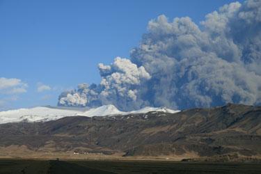 eyjafj-eruption01_bb.jpg
