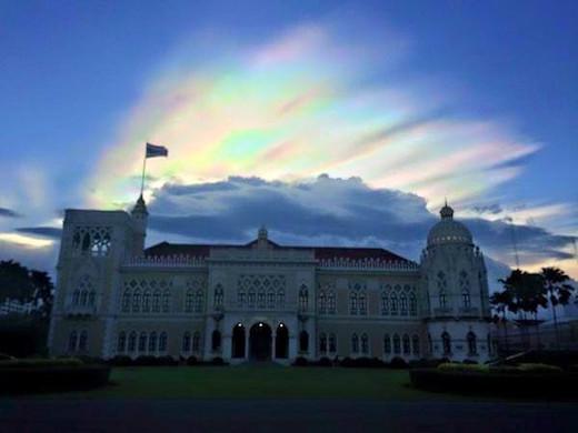 fire-rainbow-bangkok-.jpg