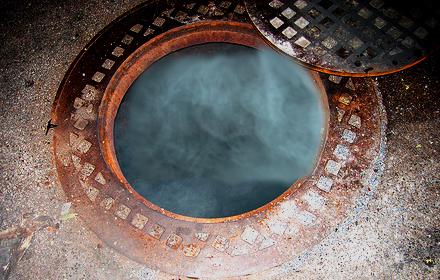 manholeboom.jpg