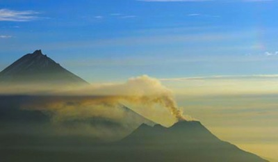 ria-novosti-eruption.jpg