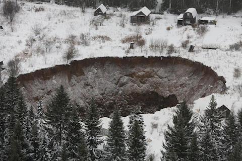 russia-sinkhole-002.jpg