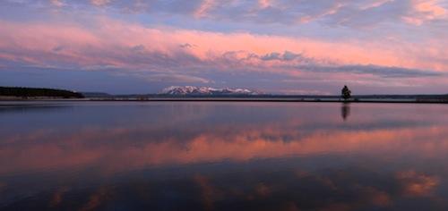 yellowstone-lake.jpg